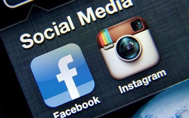 Amerikalik badavlat o'smirlar Facebook'dan voz kechishmoqda