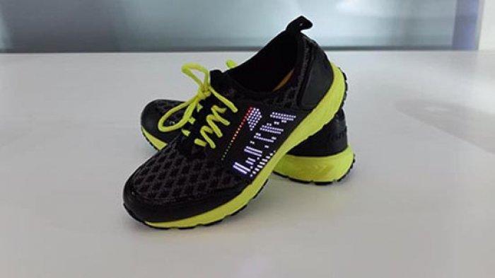 "Lenovo Smart Shoes ""ақлли"" кроссовкалари тақдим этилди"
