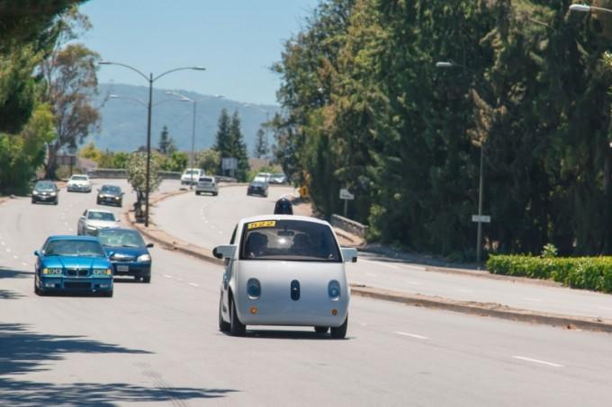 Google'нинг янги ҳайдовчисиз автомобиллари Калифорния йўлларида пайдо бўлди
