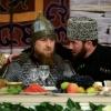 Ramzan Qodirov Chechen ayollari kuni bayramiga sovut kiygan holda tashrif buyurdi
