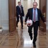 Путин ишчи хонасида ФИФА раҳбари билан тўп тепишди (видео)