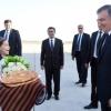 Шавкат Мирзиёев Туркманбоши шаҳрига етиб борди