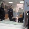 """Rossiyada gumondor shaxs tergov payti deraza orqali """"quyon bo'ldi"""" (Video)"""