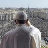 Рим Папаси ибодатлар чоғида кўзга ташланувчи смартфон эгаларидан ранжиди