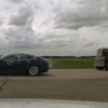 Kanadada avtopilotda harakatlanayotgan Tesla politsiyadan qochishga urindi. Bu vaqtda haydovchi uxlayotgan bo'lgan