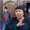 Uyi «snos»ga tushgan samarqandlik ayol: «Hokimga ham, uch bolamga ham o't qo'yib yuboraman» (video)