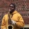 AQShda ko'cha musiqachisi saksofonda O'zbekiston madhiyasini ijro etdi (video)