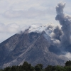 Indoneziyadagi Ternate oroligadi aeroport vulqondan otilayotgan kul sababli yopildi