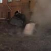 Санкт-Петербургда бир неча машина қайноқ сувли чуқурга тушиб кетди
