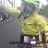 4 yoshli velosipedchi qiz internet yulduziga aylandi (video)