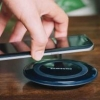 Samsung bir vaqtda ikkita smartfonni quvvatlovchi simsiz qurilma yaratdi
