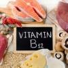 B12 vitamini tanqisligi: belgilari va uning hayotiy funksiyalarga ta'siri