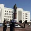 Шавкат Мирзиёев Қарши шаҳрида Ислом Каримов ҳайкалини очди (видео)