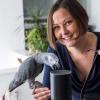 Лондонда «Бадди» лақабли тўти интернет орқали иккита совға қутичасига буюртма берди