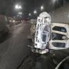 Тошкентда «GAZ3110» баланд кўприк устидан пастга қулади