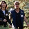 Amazon асосчиси муҳожир болаларни ўқитиш учун 33 миллион доллар хайрия қилди