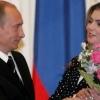 Россия президенти Владимир Путин уйланяпти. Келин ким?