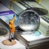 Россияда доллар курси 75 рублгача кўтарилди