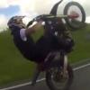 Британиялик шоввоз ўғирланган мотоциклда тезликни ошириш рекордини ўрнатди (Видео)