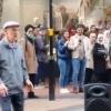 Raqsga tushayotgan pensioner Internet yulduziga aylandi (video)