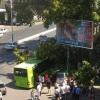 Тошкентда йўловчи автобуси дарахтга урилди, жароҳатланганлар бор (фото)