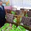 Shavkat Mirziyoyev Bekoboddagi bog'chalardan birida