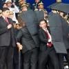 Мадуро ва унинг қўриқчилари портлаш вақтида ўзларини қандай тутишди (видео)