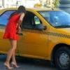 Мусулмон таксичи азон эшитишга қаршилик қилган рус аёлига мушт туширди