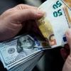Yevro 7 yil ichida birinchi marta xalqaro to'lovlarda dollarni ortda qoldirdi