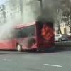 Qozonda ichida 40 nafar yo'lovchisi bo'lgan avtobus yonib ketdi (video)