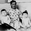 Ислом Каримовнинг волидалари Санобар-ая неваралари билан