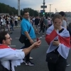 Belaruslik yigit Minskdagi norozilik namoyishlari vaqtida sevgan qizining qo'lini so'radi (video)