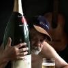 Олимлар алкоголизмга қарши курашнинг энг самарали усулини айтишди