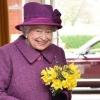 92 ёшли қиролича Елизавета II Instagram'да илк постини қолдирди (фото)