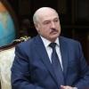 «Бечора, дош бера олмади». Лукашенко Беларусда коронавирусдан вафот этган биринчи бемор ҳақида