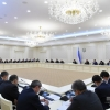 Shavkat Mirziyoyev iqtisodiyotda noreal raqamlar ortidan quvishni tanqid qildi