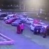 Rossiyada paradda qatnashayotgan mashina odamlar ustiga haydaldi (video)