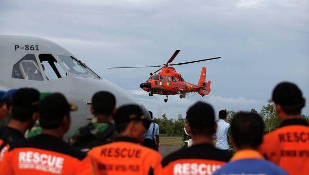 AirAsia самолёти қулаган жойда лайнернинг қуйруғи топилди