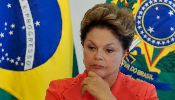 Сенаторлар Бразилия президентини вақтинчаликка лавозимидан четлатди