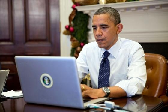 Обама LinkedIn орқали иш қидирмоқчи