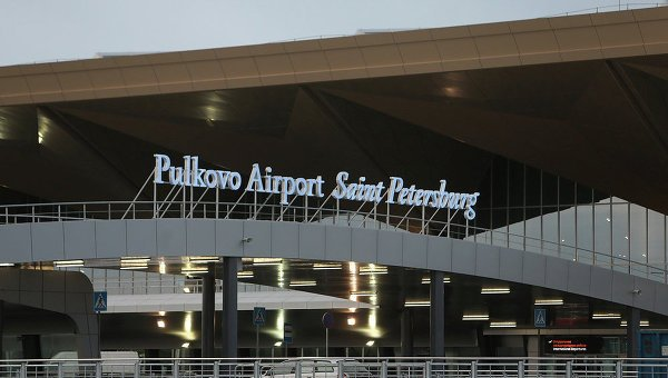 Uzbekistan Airways самолёти двигателдаги муаммо туфайли Пулково аэропортига қайта қўнди