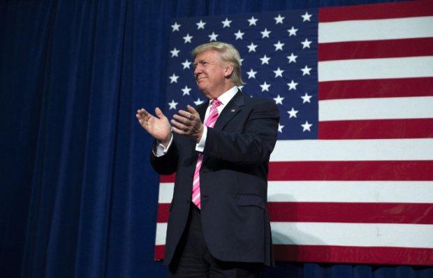 Трамп президентлигининг илк куниданоқ ноқонуний муҳожирларни мамлакатдан ҳайдашни ваъда қилди