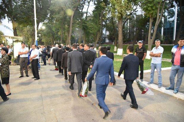 Ўзбекистон Республикаси Президенти билан видолашув бўлиб ўтди (+фото, видео)