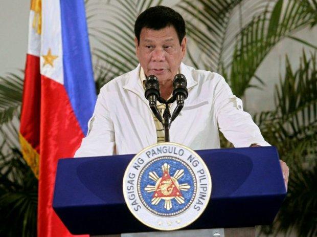 Филиппин президенти Обамани қаттиқ ҳақорат қилди