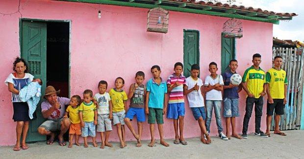 Бразилиялик футбол фанати 13 ўғлига таниқли футболчилар исмларини берди