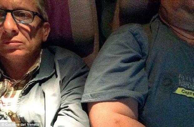 Италиялик йўловчи ўта семиз қўшниси сабаб Emirates авиакомпаниясини судга берди