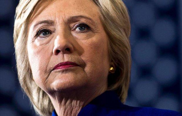 Ҳиллари Клинтон давлат котиби вақтида Россияда махфий маълумотларни қолдирган