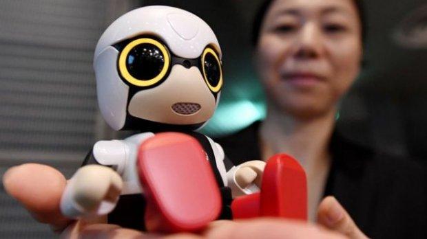 Японияда бефарзандлар учун гўдак-робот яратилди