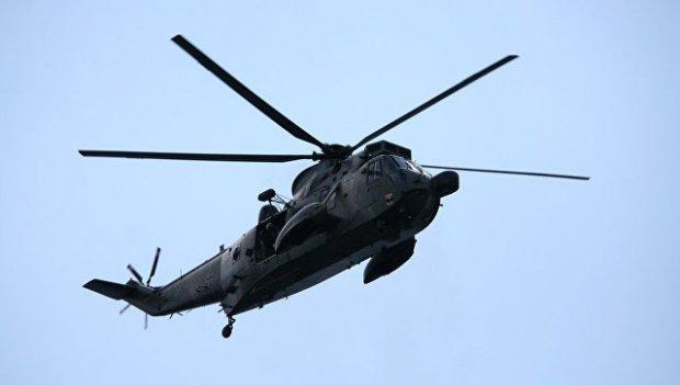 Малайзияда ҳарбий вертолёт мактаб биноси томига қулади