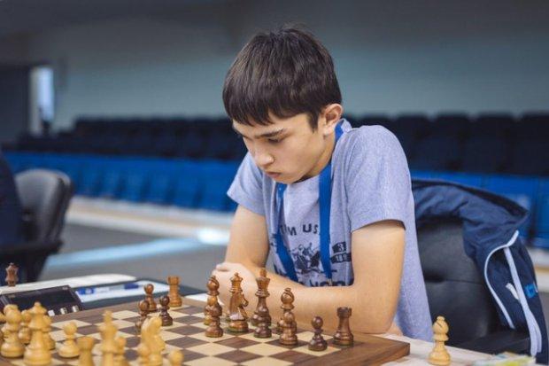 Нодирбек Якуббоев шахмат бўйича ЖЧ бронза медали соҳиби бўлди